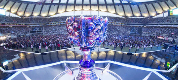 league of legends 2014 worlds trophy